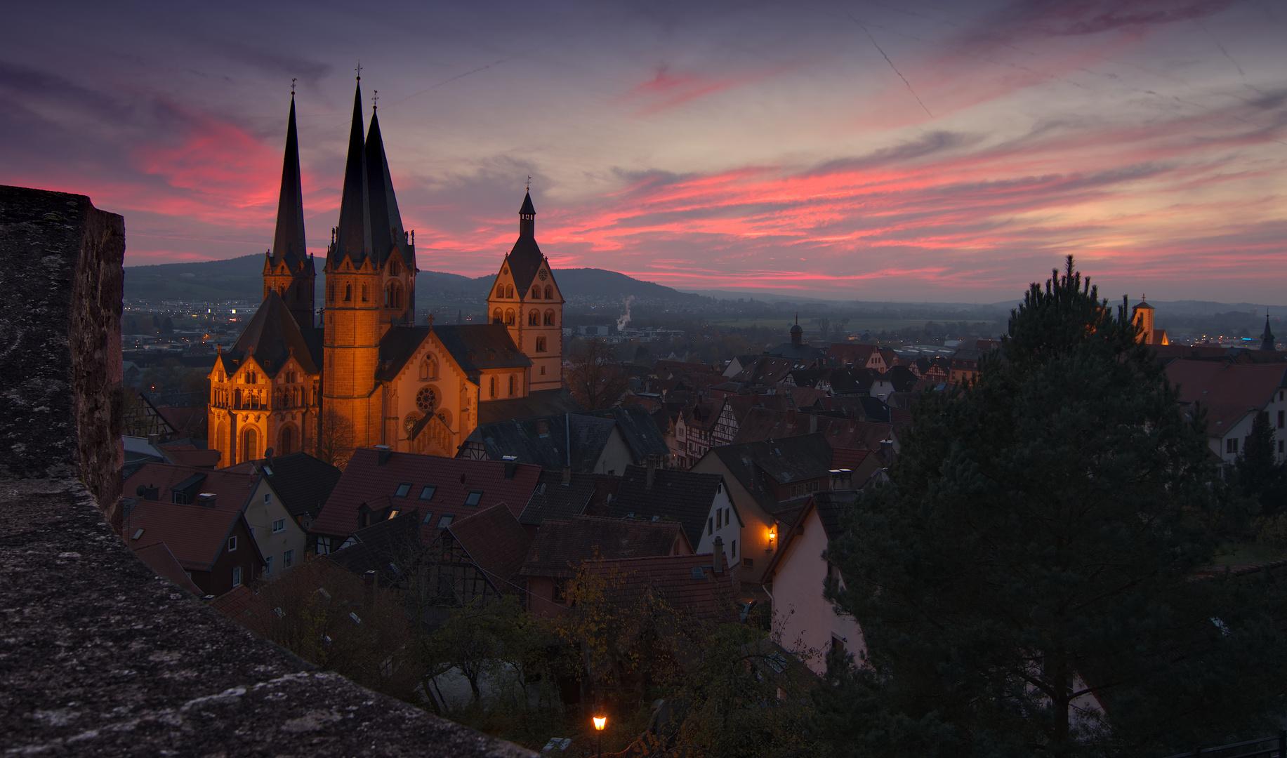 Marienkirche Gelnhausen, im Abendrot