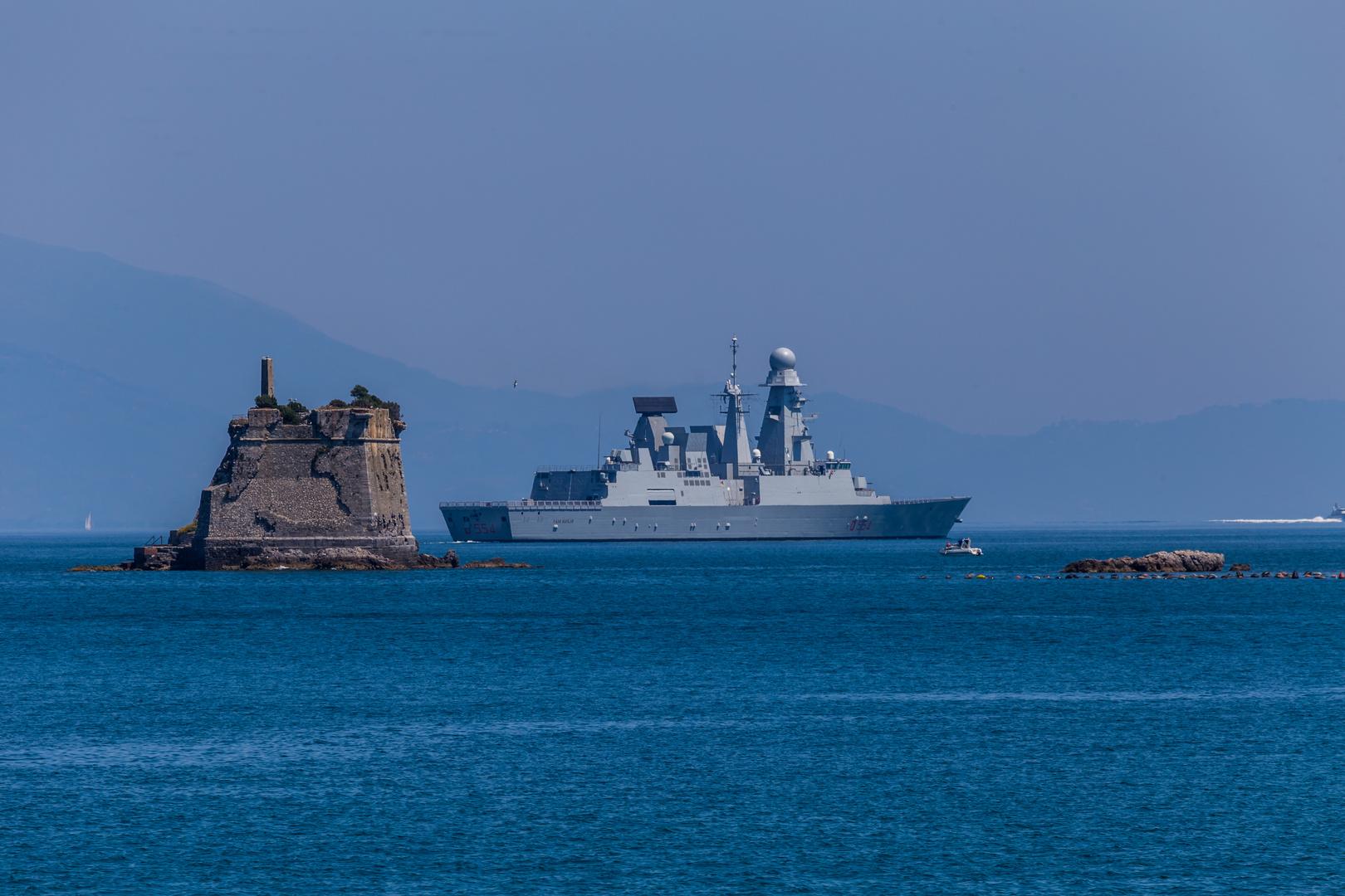 Marine Kreuzer vor Portovenere