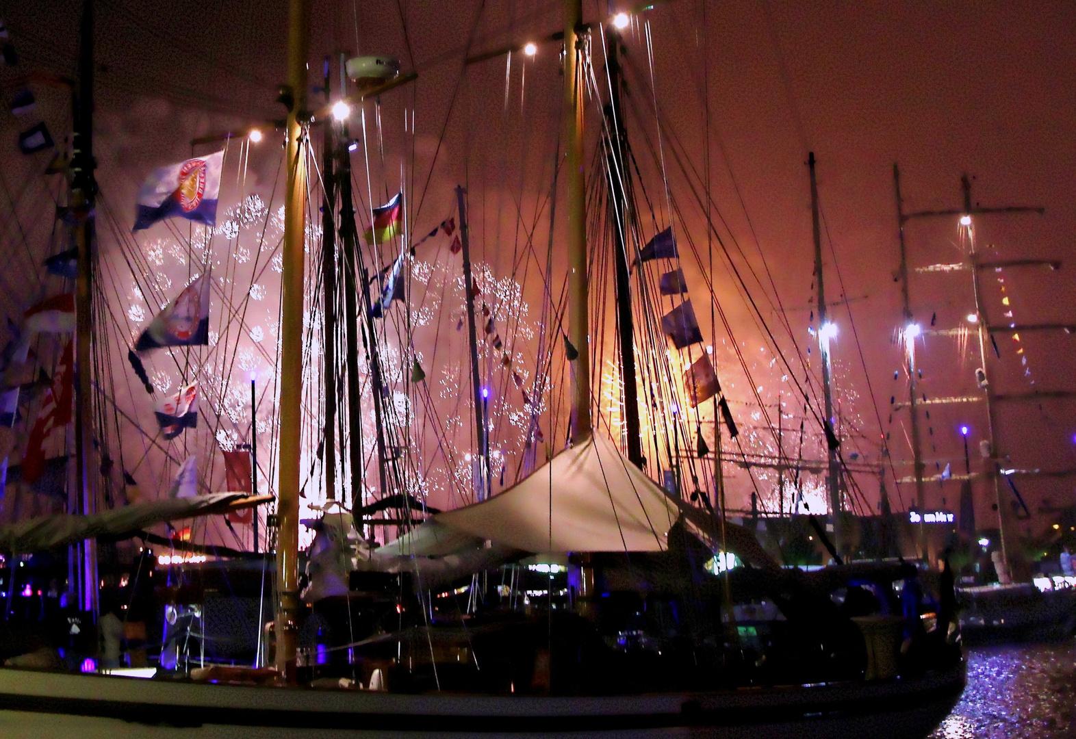 Maritimes Feuerwerk zum Wochenende