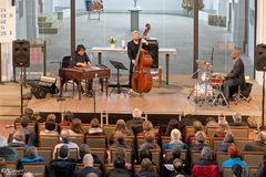 Marius Preda - Mission Cimbalon Trio [RO, D, USA]