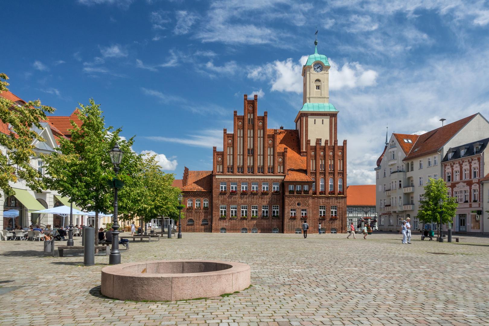 Markt mit Rathaus von Wittstock