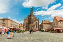Markt und Frauenkirche Nürnberg 08