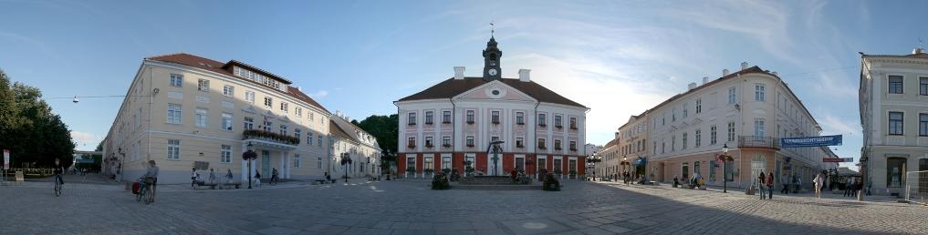 Markt und Rathaus in Tartu