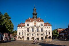 Marktplatz mit Rathaus in Lüneburg