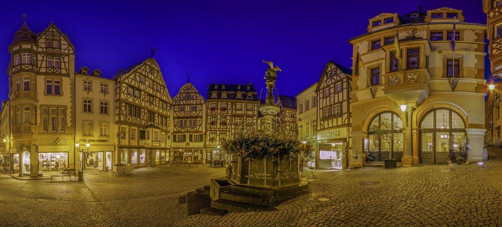 ~ Marktplatz von Bernkastel-Kues ~