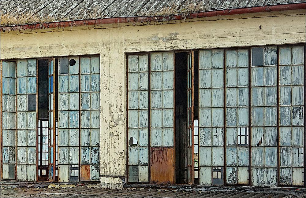 Marode Fensterfront