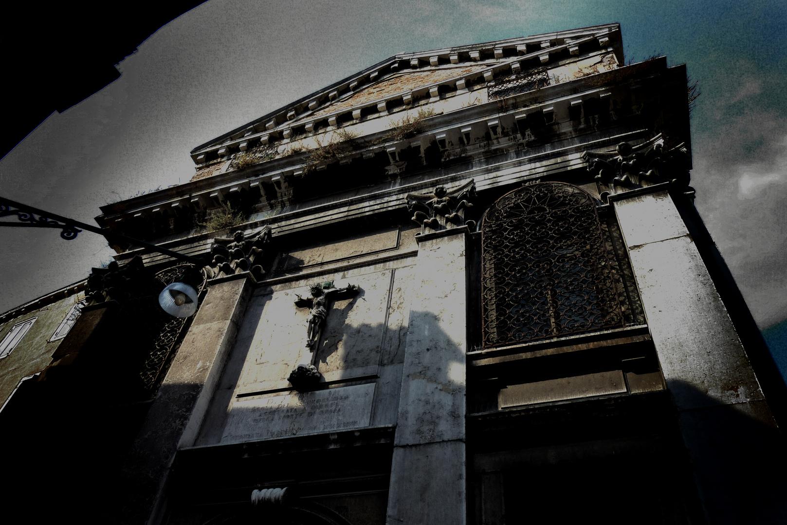 Marode Kirche in Venedig