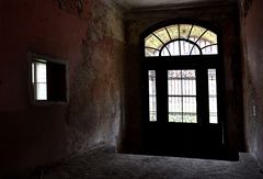 Marodistans Seiteneingang...