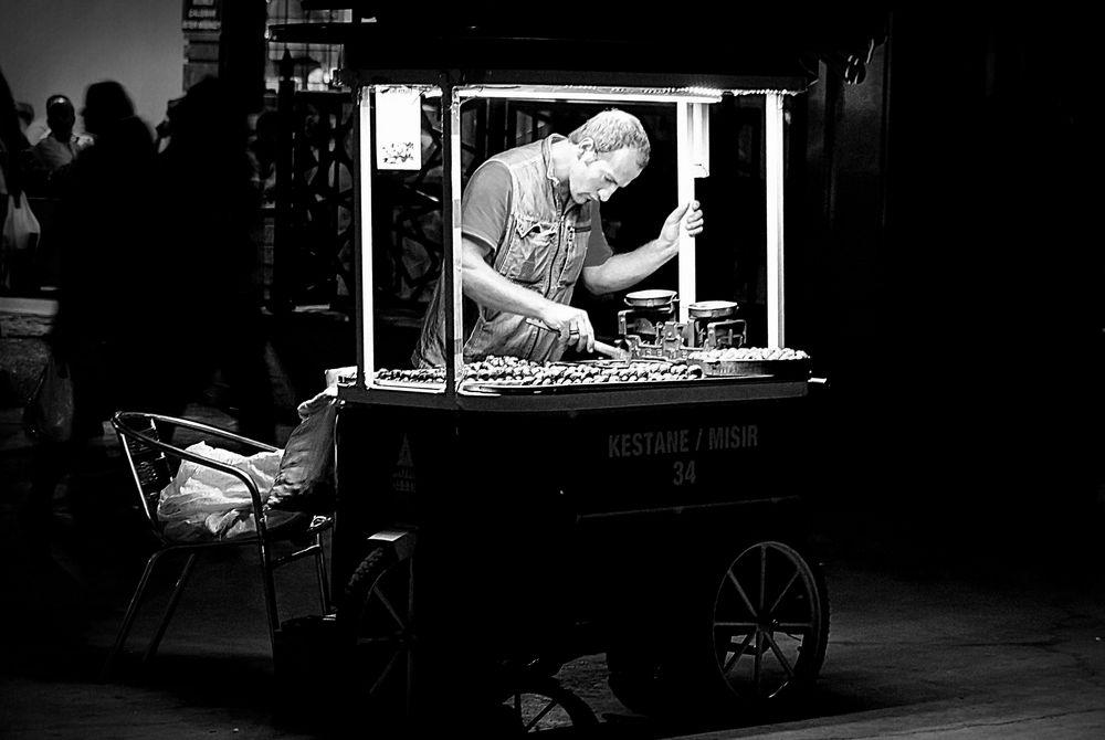 maroon-seller, istanbul, turkey