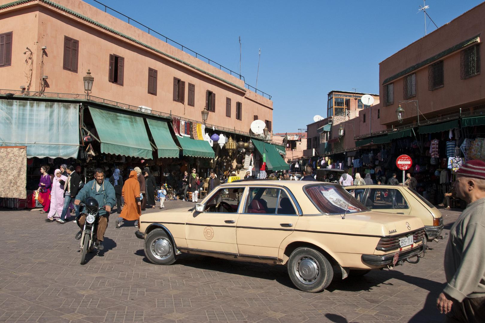 Marrakesh - Place Jemaa El Fna - 03