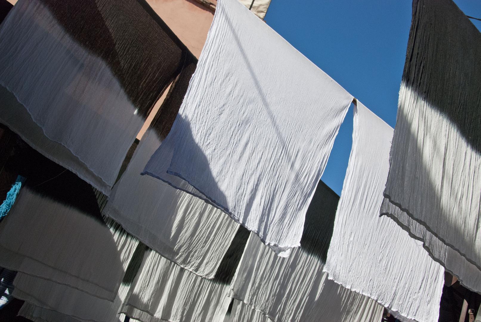 Marrakesh - Souk des Teinturiers - Wool Dyers - 02