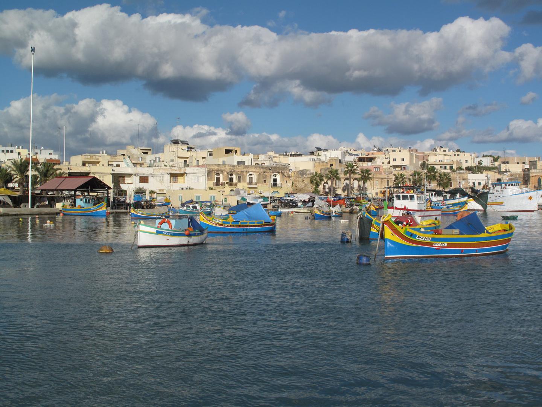 Marsaxlokk Hafen Wolkenhimmel