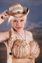 Martina Big - Howdy :-)