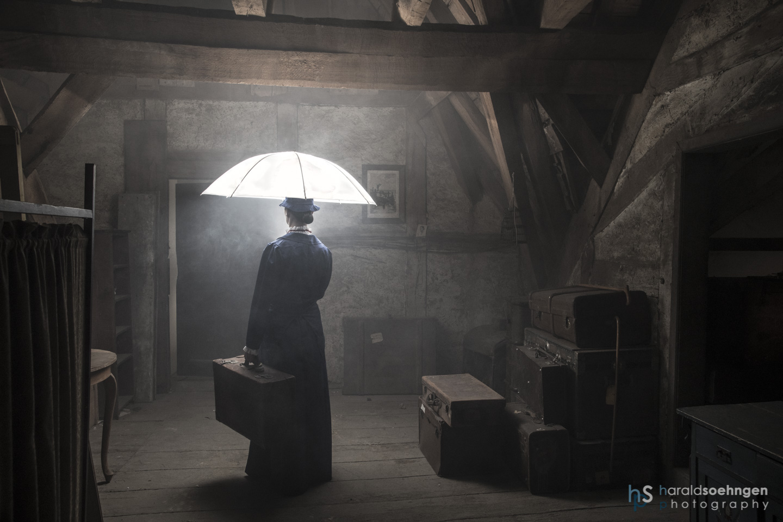 Mary Poppins Und Der Leuchtende Schirm Foto Bild Fotos People