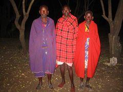 Masai in ihrer stammesüblichen Tracht