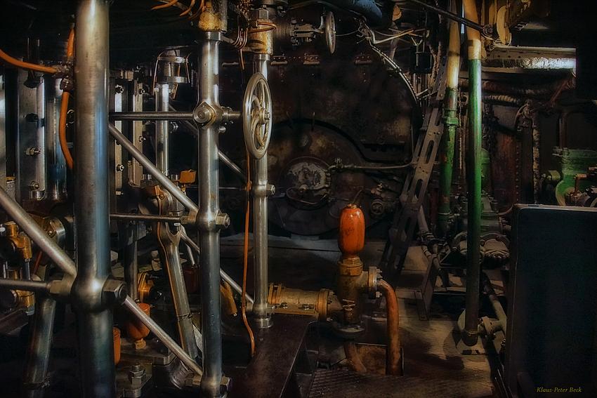 """Maschinenraum des Dampfschleppers """"Renzo"""""""