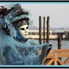Maske in Pose .........