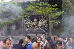 Massenandrang im Shuanglin Si