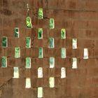 Mauer mit Belueftung und Durchblick...