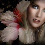 Maureen con flores de Nadia