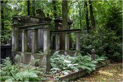 Mausoleum, Säulen