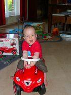 Max auf dem Bobbycar!
