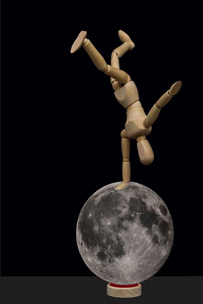 Max - du sollst doch nicht auf dem Mond spielen