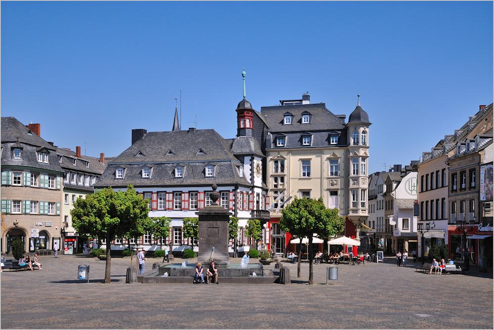 Markt De Mayen : mayen marktplatz und altes rathaus foto bild deutschland europe rheinland pfalz bilder ~ Eleganceandgraceweddings.com Haus und Dekorationen