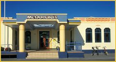 Mc Donalds im Art Deco Look