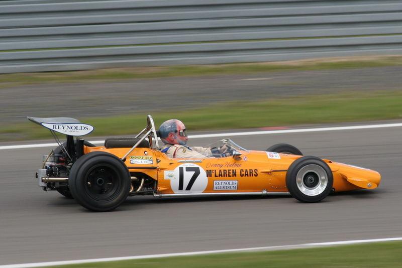 McLaren M14