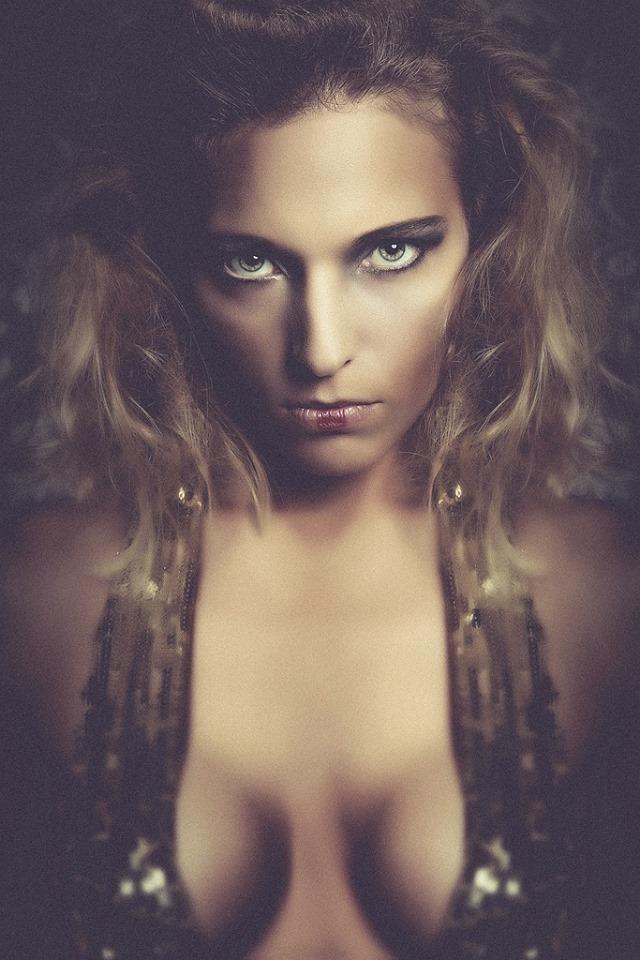 Me * Vicky Iliaens *