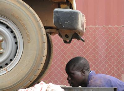 Meccanico al Lacor hospital, Nord Uganda
