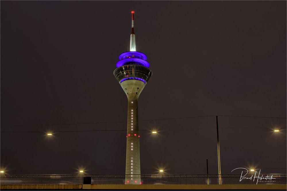Medienhafen Düsseldorf .... und ihr Rheinturm