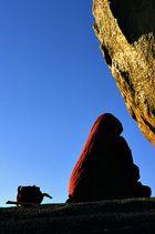 Meditation am goldenen Felsen
