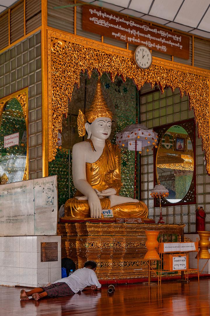 Meditation beside Buddhas face