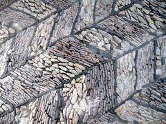Meditativer Steinweg in Yuyuan Gärten in Shanghai