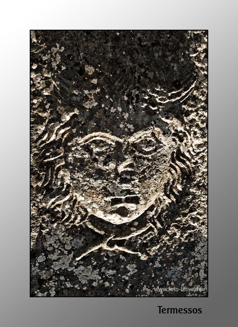 Medusa-Kopf in der Soldaten-Nekropole