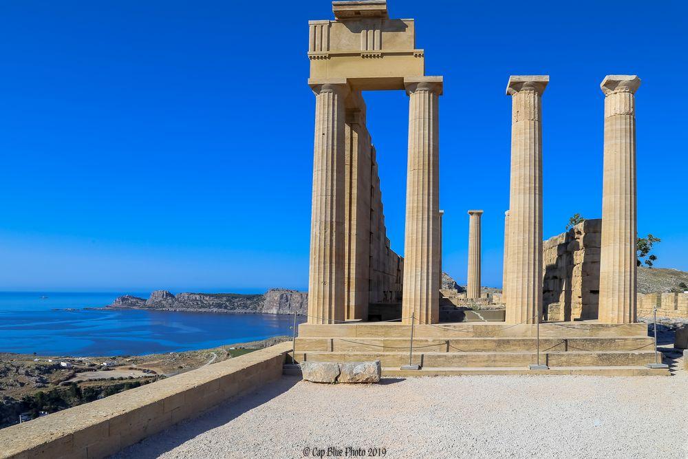 Meer und Akropolis geben eine wundervolle Einheit