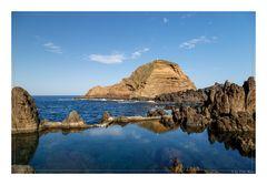 Meerwasser-Schwimmbad in Porto Moniz