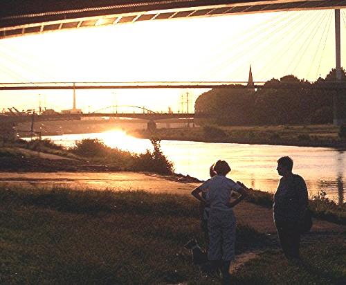 Meeting unter der Brücke
