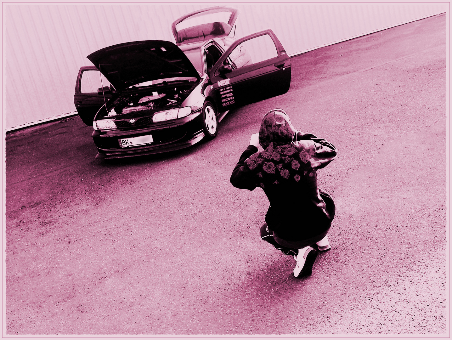 mein Baby fotografiert sein Auto