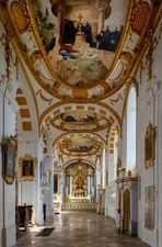 """Mein """"Blick ins Seitenschiff"""" in der Klosterkirche St. Peter und Paul (Oberelchingen)"""