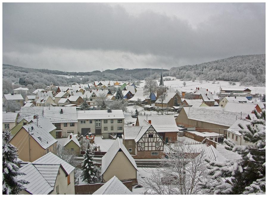 Mein Dorf im Schnee . . .