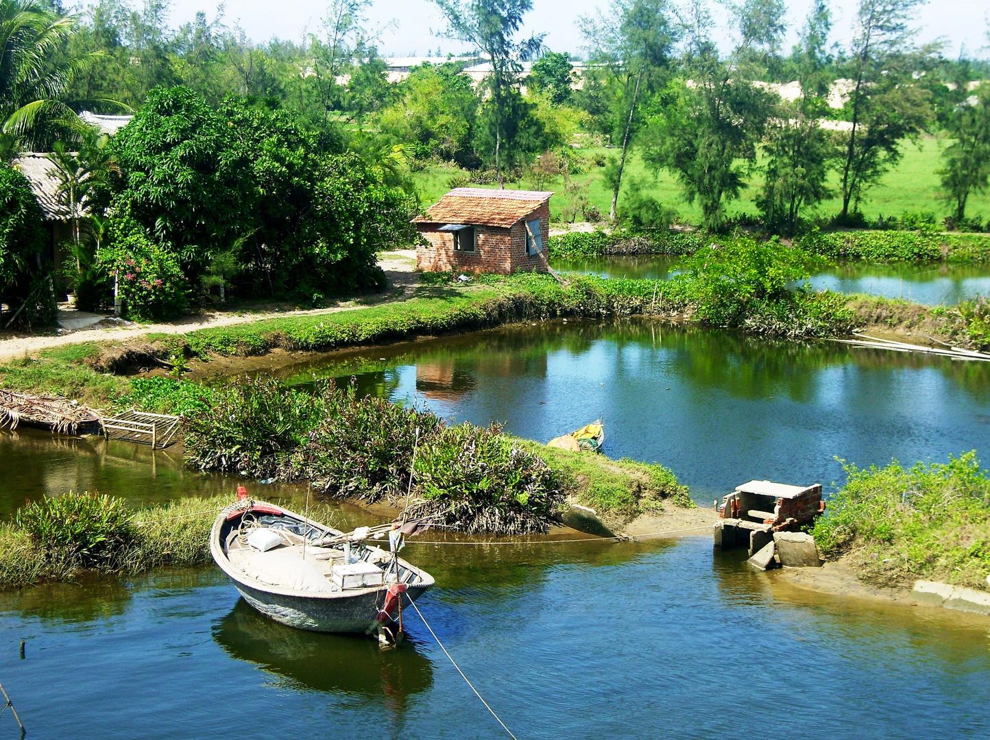 Mein Haus, mein Boot, mein . . .