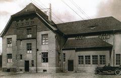 Mein Schalthaus in den 20-er Jahren°°°Mit dem ersten Auto im Dorf°°°