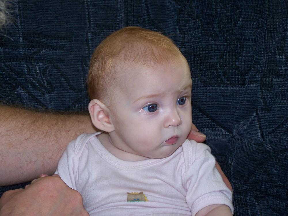 Baby Rothaarig