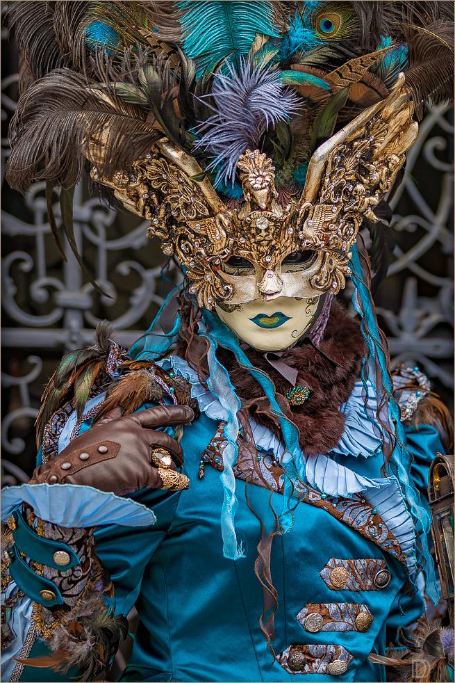 meine Maske, meine Federn und ich