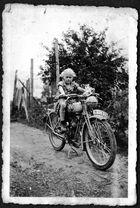 Meine Oma fährt Motorrad