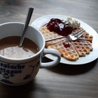 Meine Teetasse mit Kaffee zu füllen......