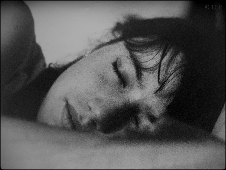 Meine Tochter Sophie - Portrait, schlafend, nichtwissend! Nikon F3 mit Nikkor 50mm 1.4D Ilford - I